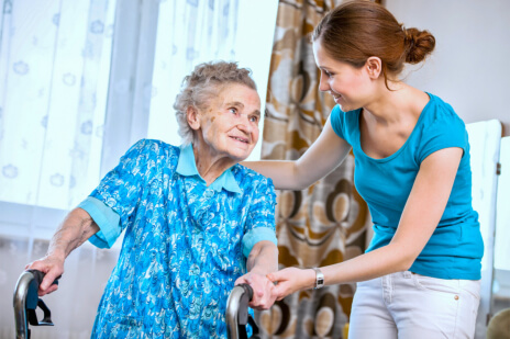 a-few-services-you-can-expect-from-a-home-health-aide
